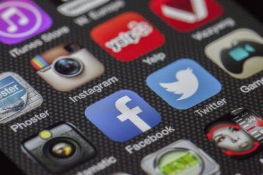 social media algorithm news from SEO and Social Media Maven Stephanie Nelson